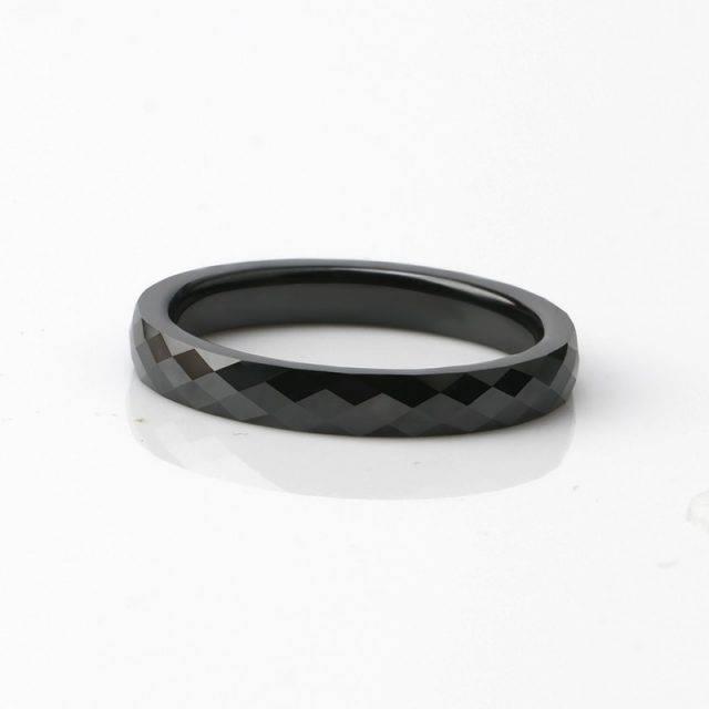 Geometric Cut Ceramic Ring