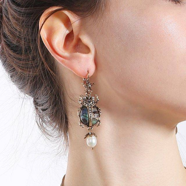 Women's Pearl Insect Shaped Earrings