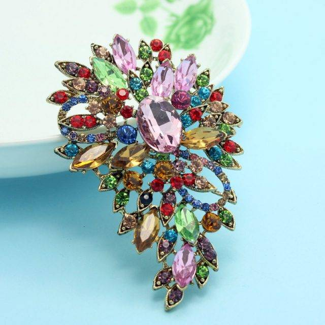 Women's Luxurious Crystal Brooch